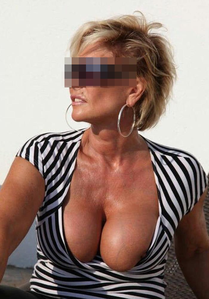 Babeth, cougar blonde torride de Toulon