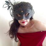 Cassandra, cougar divorcée, de Boulogne-Billancourt, envie de se lâcher !
