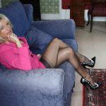 Baise sauvage dans le salon de Monique à Annecy