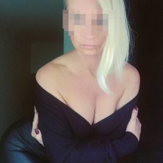 Julia, cougar blonde de Montpellier