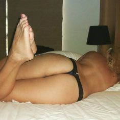 Caroline MILF blonde Bordeaux