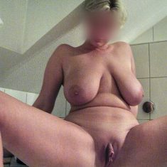 Carine, grosses loches grosse chatte Vincennes