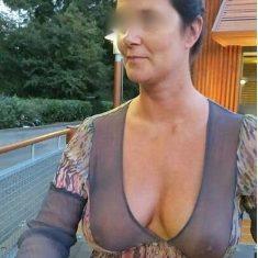Femme exhib sexe outdoor