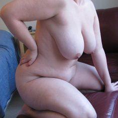 Valérie, grosse chaudasse à troncher