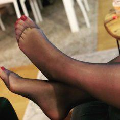 Bourgeoise sensuelle rencontre fétichisme pieds